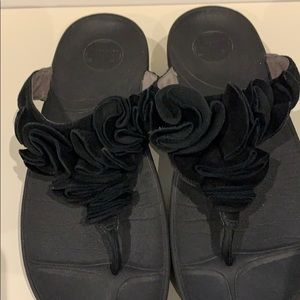 Fitflops black ruffle suede style 393-001 size 9